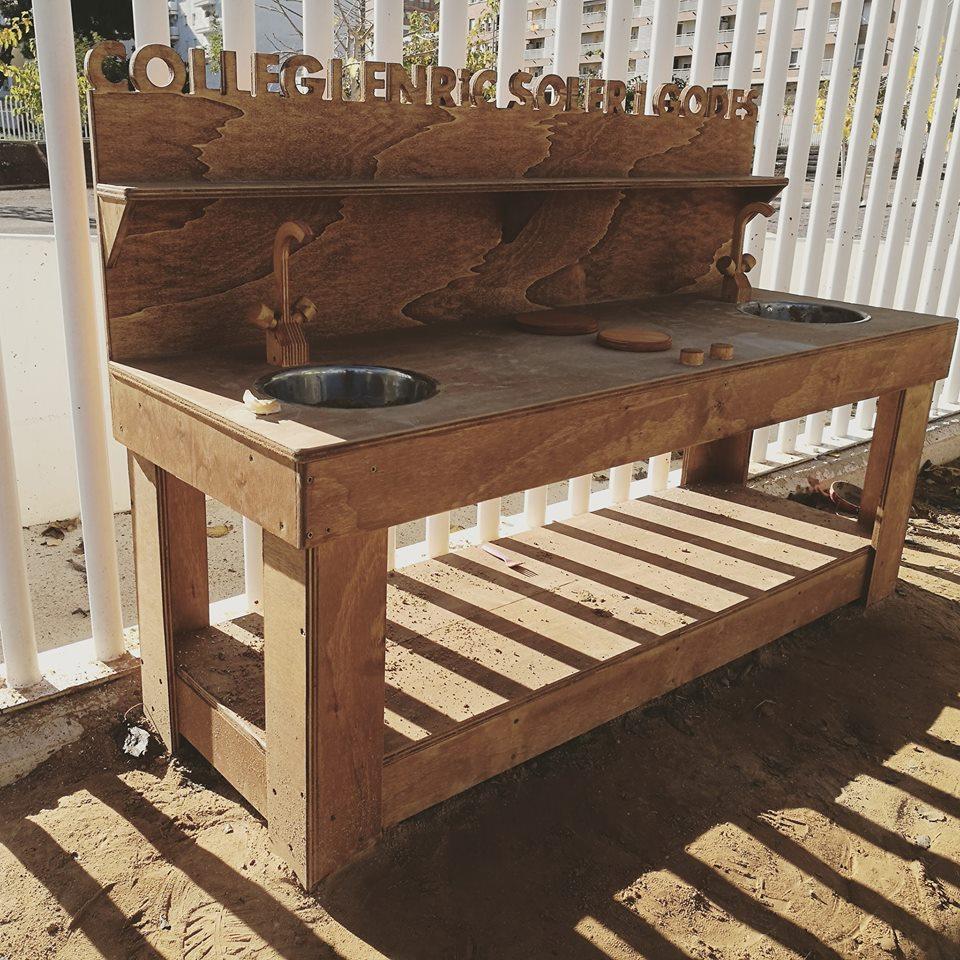 Cocinita de madera banco de trabajo para exterior mamielo jugando a cambiar el mundo Banco madera exterior